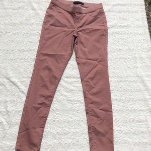 3/$20 No boundaries Dark pink mauve stretchy jeans